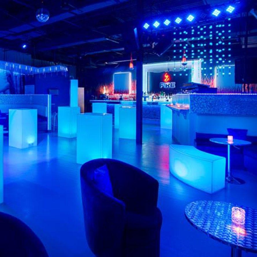 ICEBAR Orlando: Nightlife